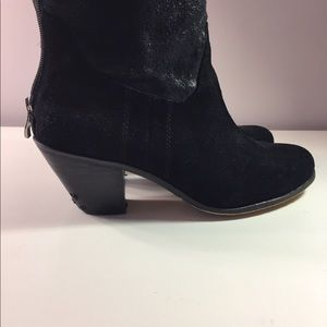 BCBG ankle boots
